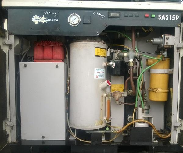 bán máy nén khí trục vít airman 15 kw  may nen khi truc vit