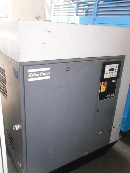 bán máy nén khí trục vít atlas copco có hệ thống tách ẩm 30 ngựa