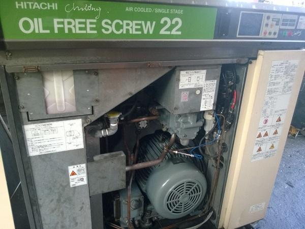 máy nén khí trục vít không dầu Hitachi