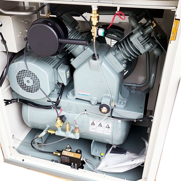 Máy nén khí cũ piston 3.7 kw có hệ thống tách ẩm, máy tủ