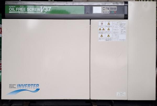 bán máy nén khí trục vít Hitachi 37 kw cũ 50 Hp, sử dụng biến tần inverter có sấy khí