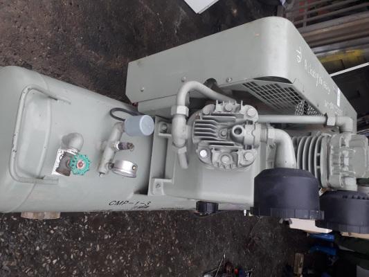bán máy nén khí cũ hitachi loại piston không dầu áp suất cao