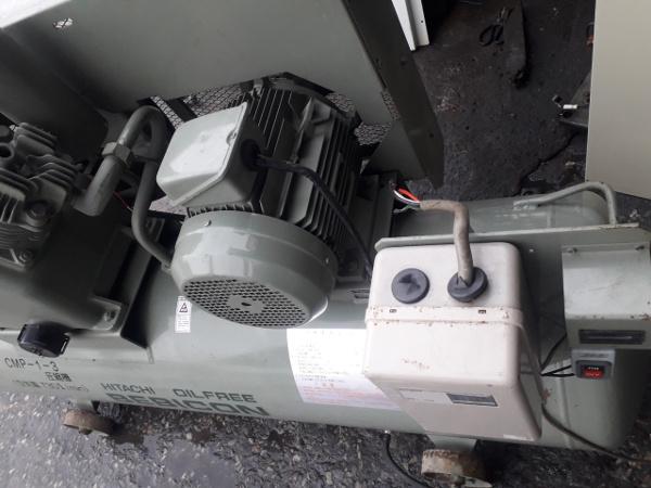 bán máy nén khí cũ không dầu cao áp 7.5 kw, áp 15 kgf/cm2