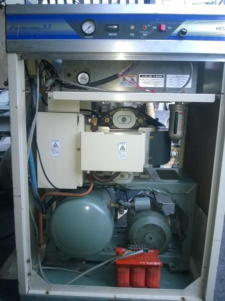 máy nén khí không dầu dạng cuộn Hitachi 3.7 kW