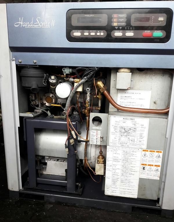 bán máy nén khí trục vít cũ Kobelco 15 kw