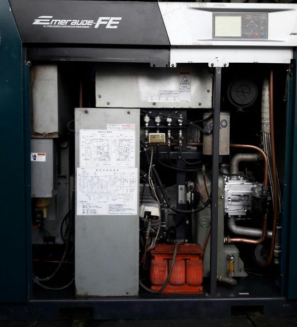 máy nén khí không dầu cũ 3700 lit/phút nhật bản