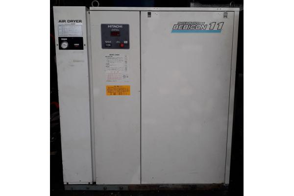 Máy nén khí piston không dầu Hitachi 11 kW có sấy khí giá rẻ