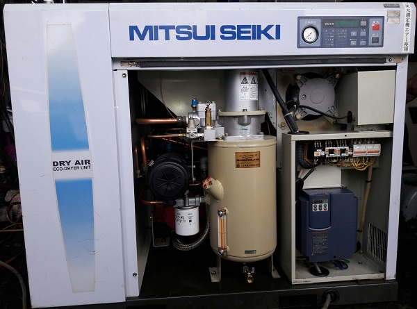 máy nén khí trục vít 7.5 kw chạy biến tần nhật bản