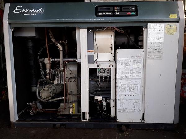 bán máy nén khí cũ không dầu 37 kW Kobelco