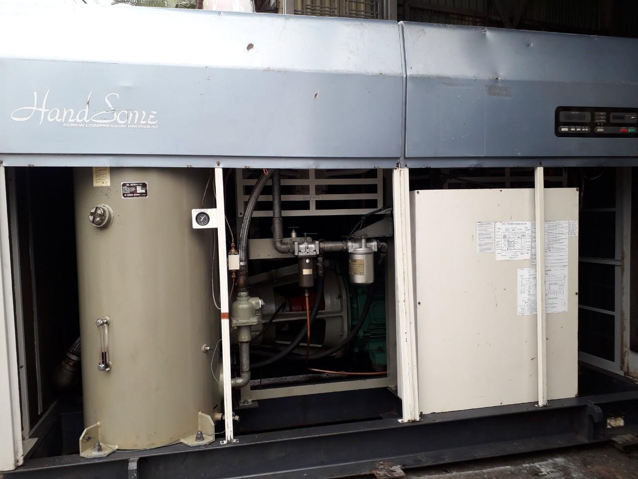 bán máy nén khí trục vít cũ hàng Nhật bãi 150 kW