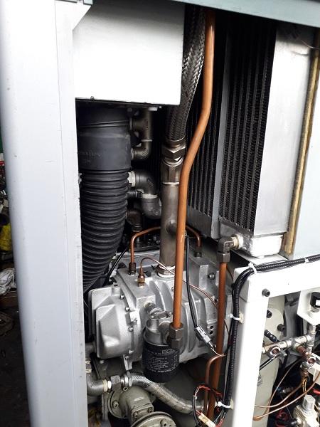 bán máy nén khí trục vít cũ không dầu