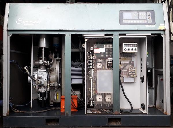 Máy nén khí trục vít không dầu 45 kW hãng Kobelco