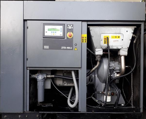 bán máy nén khí không dầu Anest Iwata Atlas Copco 15 kw ztd - 15j