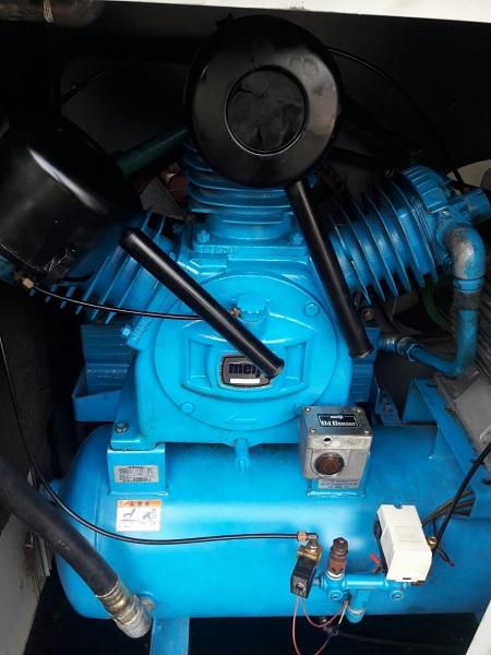 Bán máy nén khí cũ có sấy Meiji 15 kW hàng Nhật Bản