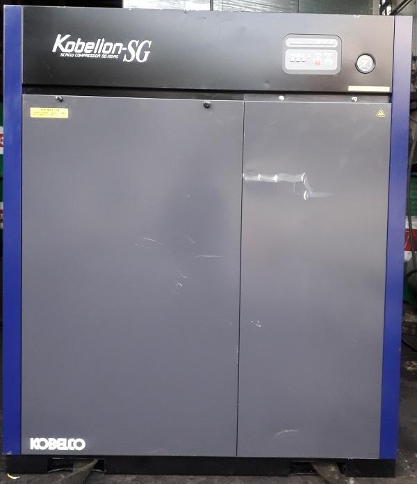 bán máy nén khí trục vít cũ Kobelco 7.5 kw đời cao 2014