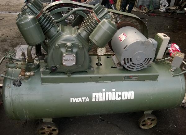 bán máy nén khí cũ dạng piston Iwata 3.7 kW