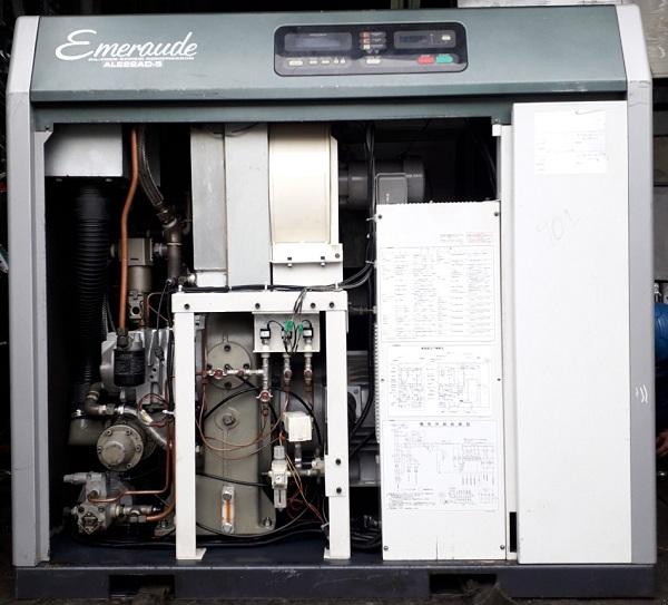 máy nén khí trục vít cũ công suất 22 kw