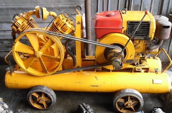 máy nén khí đầu nổ dùng để làm đường và làm lốp di động
