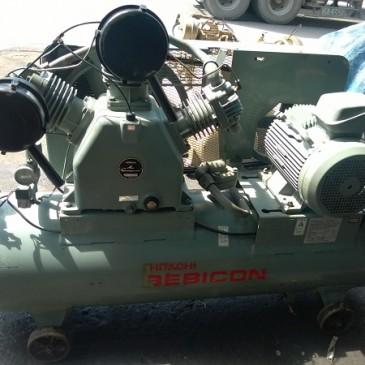 Máy nén khí piston hai cấp Hitachi 15 kW
