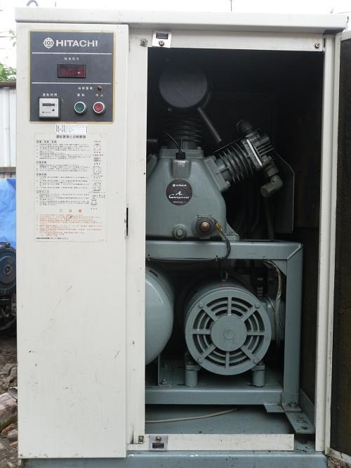Máy nén khí Hitachi 5.5kw có thùng cách âm