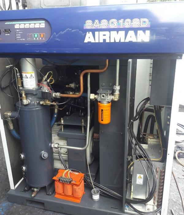 bán máy nén khí trục vít cũ Airman SASG19SD áp cao có tách ẩm