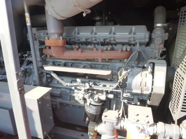 Bên trong máy nén khí Airman PDS655S đời cao