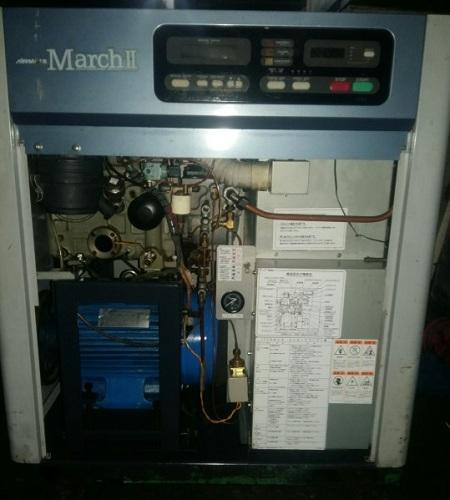 máy nén khí trục vít Kobelco 11 kW có sử dụng biến tần