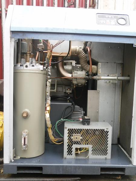 Bán máy nén khí trục vít nhãn hiệu Kobelco cũ