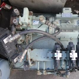 Bơm thủy lực Daikin 3.7kw