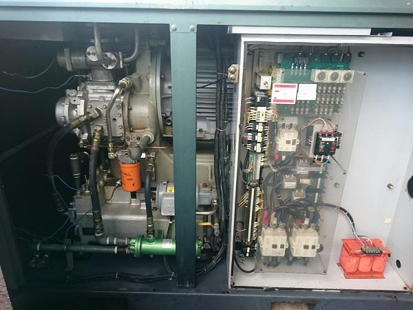 máy nén khí trục vít không dầu làm mát bằng nước
