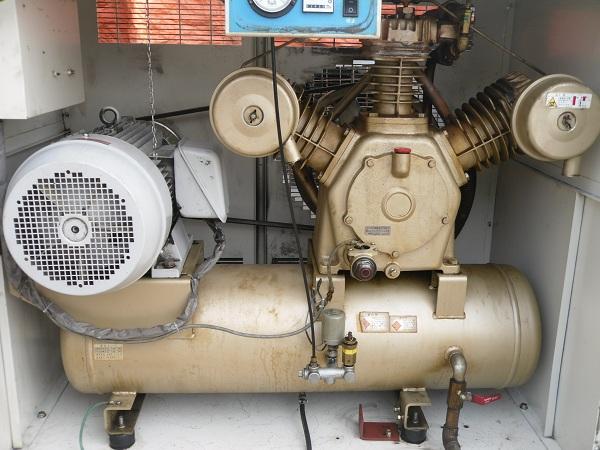máy nén khí cũ có thùng cách âm loại máy nén khí piston 11kw 15hp
