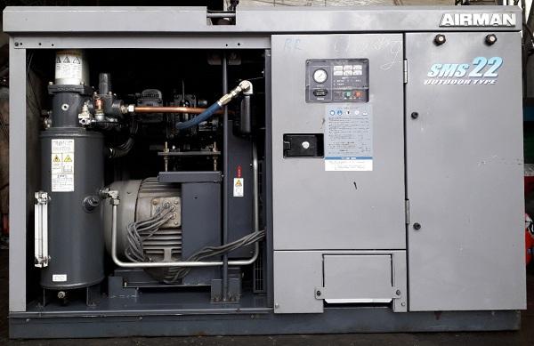 máy nén khí trục vít cũ ngâm dầu làm mát bằng gió 22 kw